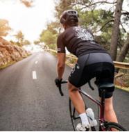 Nggak Cuma Sekedar Gaya-Gayaan, Inilah 5 Rekomendasi Perlengkapan Bersepeda Agar Tetap Aman